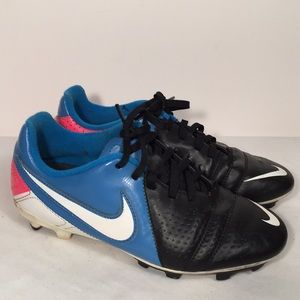 Nike Youth Soccer Cleats Size 3Y Blue Pink